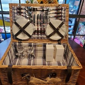 🖤 BRAND NEW BEDFORD WOVE  PICNIC BASKET